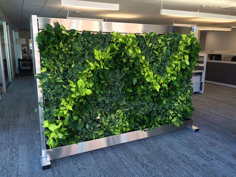 ​Freestanding green wall