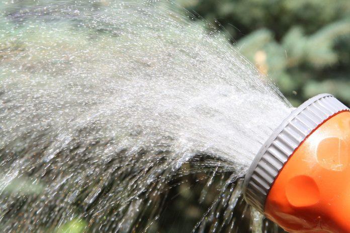 garden hose sprayer